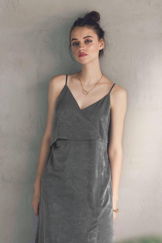 back-ribbon-plain-satin-dress-charcoal-08