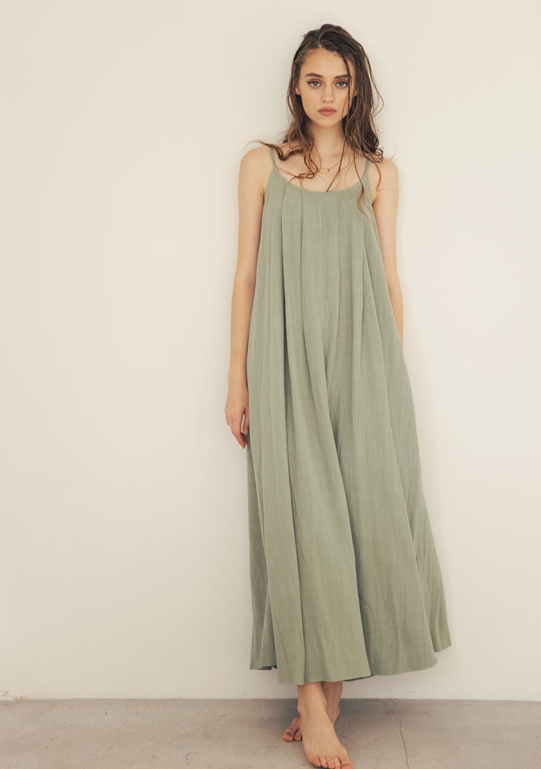 portfolio_wide2_back-ribbon-maxi-dress-pistachio-06_back-ribbon-maxi-dress-pistachio-03-3