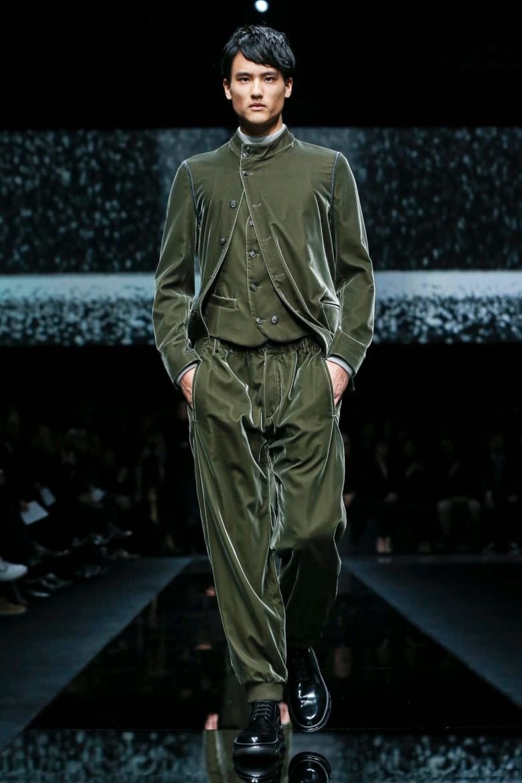 giorgio-armani-menswear-fw20-milan-4720-1578936329